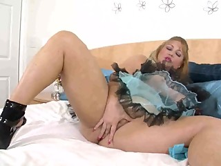 Dirty Slut Samantha 38G Teases..