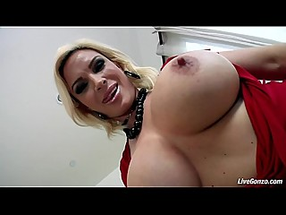 LiveGonzo Diamond Foxx Hot Mature Does..