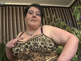 Naughty BBW MOM loves to get..