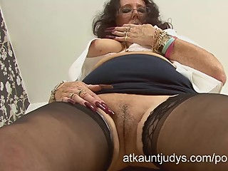 Zadi rubs and fingers her pussy..